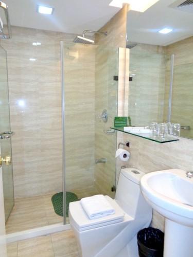 BSA Twin Towers St Francis Condotel Bathroom