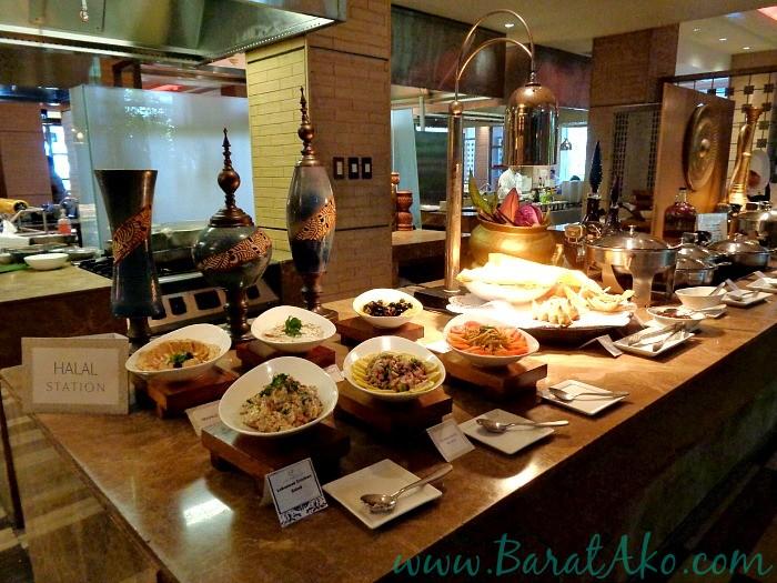 Manila Hotel Cafe Ilang Ilang Buffet Halal Station - Karen MNL