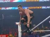 Arrow's Stephen Amell Fights Stardust in WWE Summerslam!