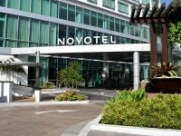 Novotel Manila Araneta Center Exterior Main Door