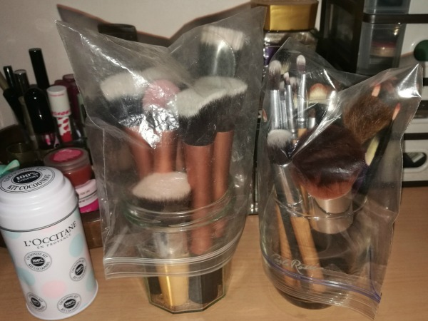 Makeup Holder with Plastic