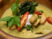 Benjarong Green Curry Chicken