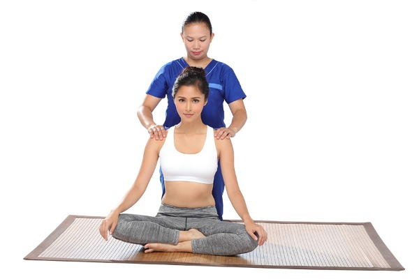 BlueWater Day Spa Brand Ambassador Kim Chiu Massage