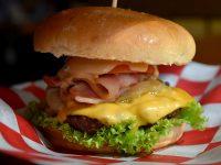 Teddys Bigger Burgers Bacon Me Crazy