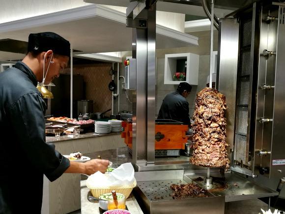 Niu Vikings Podium Shawarma