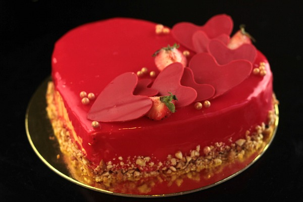Strawberry Surprise Cake at Agenda